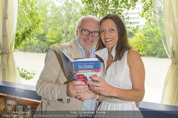 Michael Schottenberg Buchpräsentation - Summerstage, Wien - So 23.06.2019 - Michael SCHOTTENBERG mit Freundin Claire7