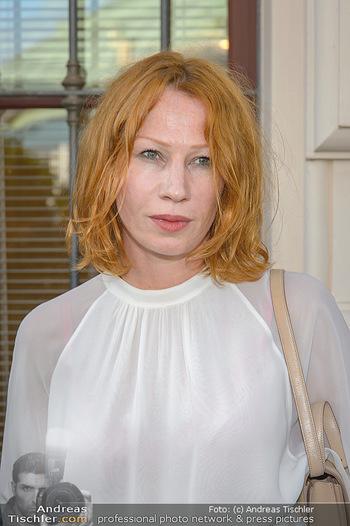 Sommerfest der RLB Oberösterreich - Albertina, Wien - Di 25.06.2019 - Birgit MINICHMAYR (Portrait)17
