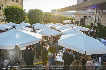 Sommerfest der RLB Oberösterreich - Albertina, Wien - Di 25.06.2019 - Sonnenschirme schützen vor der Hitze33