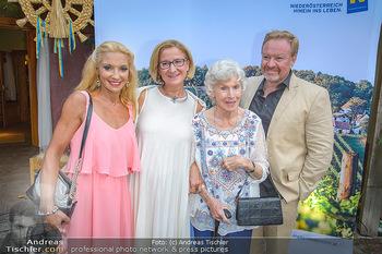 Heurigen-Treff mit Mikl-Leitner - Weingut Johanneshof Reinisch, Tattendorf - Do 27.06.2019 - Johanna MIKL-LEITNER, Waltraud HAAS mit Sohn Marcus STRAHL und E23