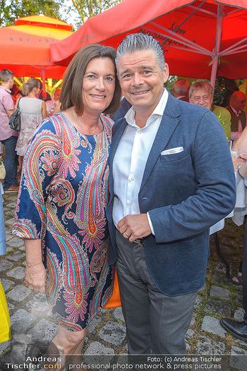 Heurigen-Treff mit Mikl-Leitner - Weingut Johanneshof Reinisch, Tattendorf - Do 27.06.2019 - Andreas und Gabi WOJTA43