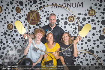 Magnum - House of Play - Palmenhaus Burggarten, Wien - Mo 01.07.2019 - Familie Georgy MAKAZARIA mit Ehefrau Julia, Tochter Marie und de18