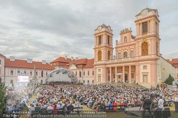 Klassik unter Sternen - Stift Göttweig - Mi 03.07.2019 - Stift Göttweig Kirche, Festplatz, Bühne, Publikum, Zuschauer, 66