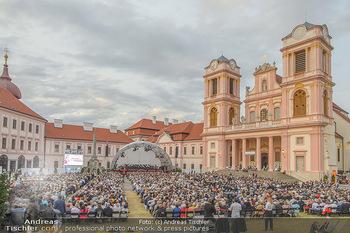 Klassik unter Sternen - Stift Göttweig - Mi 03.07.2019 - Stift Göttweig Kirche, Festplatz, Bühne, Publikum, Zuschauer, 67