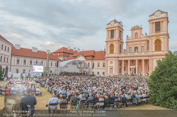 Klassik unter Sternen - Stift Göttweig - Mi 03.07.2019 - Stift Göttweig Kirche, Festplatz, Bühne, Publikum, Zuschauer, 68