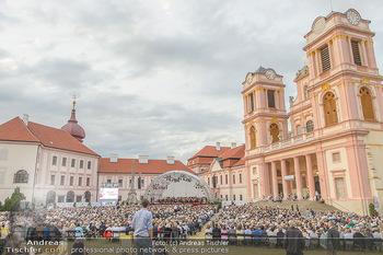 Klassik unter Sternen - Stift Göttweig - Mi 03.07.2019 - Stift Göttweig Kirche, Festplatz, Bühne, Publikum, Zuschauer, 71