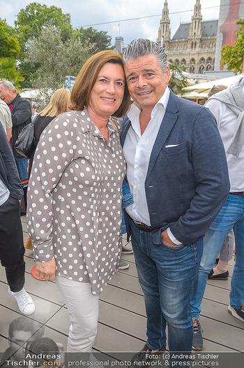 Hill Lounge Opening - Rathaus Wien - Di 09.07.2019 - Andi Andreas WOJTA mit Ehefrau Gabi9