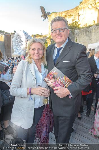 Die Zauberflöte Premiere - Oper im Steinbruch St. Margarethen - Mi 10.07.2019 - Karin KNEISSL mit Ehemann Wolfgang MEILINGER90