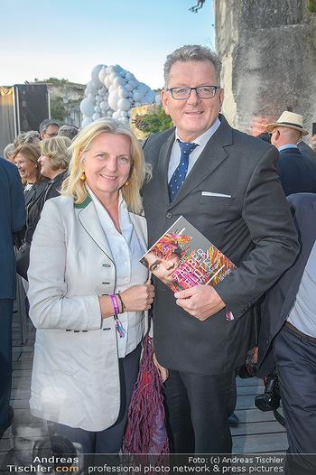 Die Zauberflöte Premiere - Oper im Steinbruch St. Margarethen - Mi 10.07.2019 - Karin KNEISSL mit Ehemann Wolfgang MEILINGER95