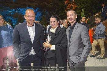 Die Zauberflöte Premiere - Oper im Steinbruch St. Margarethen - Mi 10.07.2019 - Gery KESZLER mit Freund Miha VEBERIC, Katarzyna LUTECKA124