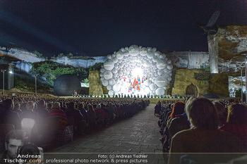 Die Zauberflöte Premiere - Oper im Steinbruch St. Margarethen - Mi 10.07.2019 - Bühnenbild, Zuschauer, Sitzränge, Tribünen, Kulisse, Wolken129