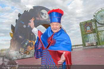 Das Land des Lächelns Premiere - Seefestspiele Mörbisch - Do 11.07.2019 - Harald SERAFIN auf der Bühne im Kostüm des Obereunuchen7