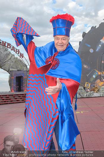 Das Land des Lächelns Premiere - Seefestspiele Mörbisch - Do 11.07.2019 - Harald SERAFIN auf der Bühne im Kostüm des Obereunuchen10