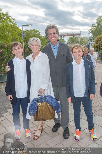 Das Land des Lächelns Premiere - Seefestspiele Mörbisch - Do 11.07.2019 - Walter und Eveyln ESELBÖCK mit Franz-Ferdinand und August27