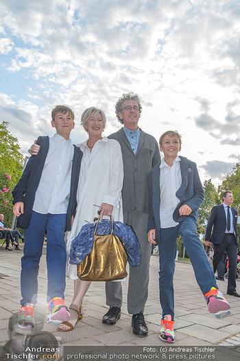 Das Land des Lächelns Premiere - Seefestspiele Mörbisch - Do 11.07.2019 - Walter und Eveyln ESELBÖCK mit Franz-Ferdinand und August28