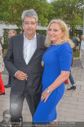 Das Land des Lächelns Premiere - Seefestspiele Mörbisch - Do 11.07.2019 - Wolfgang HESOUN mit Ehefrau Brigitte33