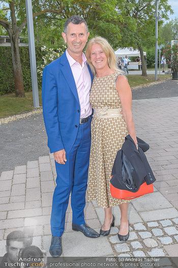Das Land des Lächelns Premiere - Seefestspiele Mörbisch - Do 11.07.2019 - Thomas STARLINGER mit Ehefrau Ursula40