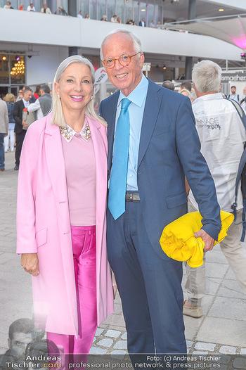 Das Land des Lächelns Premiere - Seefestspiele Mörbisch - Do 11.07.2019 - Martina und Werner FASSLABEND44