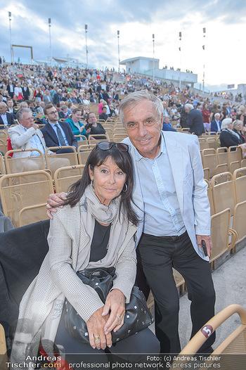 Das Land des Lächelns Premiere - Seefestspiele Mörbisch - Do 11.07.2019 - Hans HUBER mit Ehefrau54