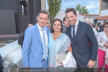 Das Land des Lächelns Premiere - Seefestspiele Mörbisch - Do 11.07.2019 - Peter HANKE mit Ehefrau, Daniel SERAFIN65