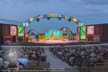 Das Land des Lächelns Premiere - Seefestspiele Mörbisch - Do 11.07.2019 - Seebühne, Bühnenfoto, Kulisse, Bühnenbild, Publikum, Zuschaue86