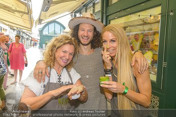 Kiehl´s Avocado Creme Präsentation - Neni am Naschmarkt, Wien - Mi 31.07.2019 - Haya MOLCHO mit Sohn Nuriel, Yvonne RUEFF5