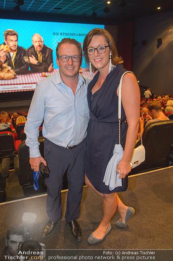 Kinopremiere ´Leberkäsjunkie´ - Cineplexx Donauplex - Do 01.08.2019 - Serge FALCK mit Susanne41