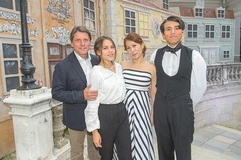 Premiere Stockerau Festspiele - Stockerau - Fr 02.08.2019 - Christian SPATZEK mit Familie Ehefrau Sun Young und Kindern Fabi48