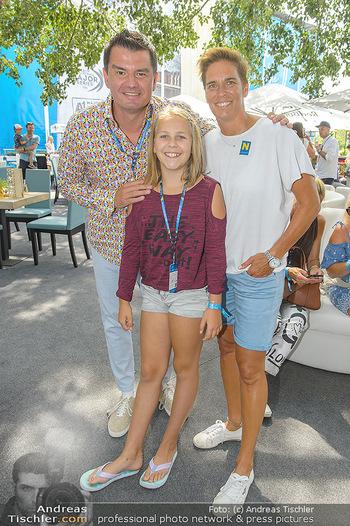 Beachvolleyball - Donauinsel Wien - Sa 03.08.2019 - Michaela DORFMEISTER mit Tochter Lea und Freund Thomas LERCH5