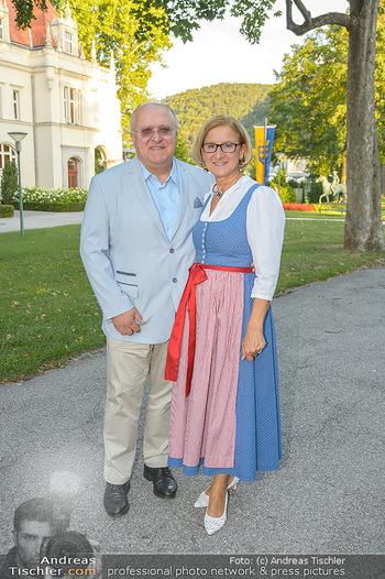 LH Mikl-Leitner besucht die Festspiele - Stadttheater Berndorf - Do 08.08.2019 - Johanna MIKL-LEITNER mit Ehemann Andreas2