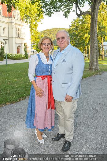 LH Mikl-Leitner besucht die Festspiele - Stadttheater Berndorf - Do 08.08.2019 - Johanna MIKL-LEITNER mit Ehemann Andreas9