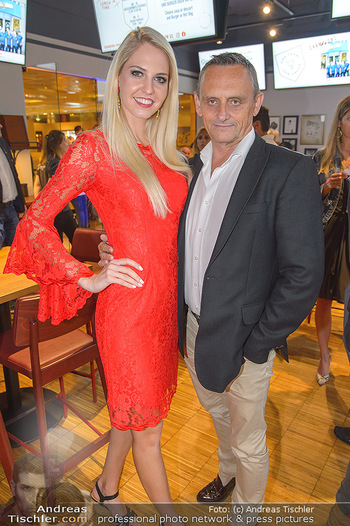 Champions Sports Bar Reopening - Vienna Marriott Hotel - Mo 02.09.2019 - Miss Vienna Beatrice KÖRMER, Heimo TURIN6