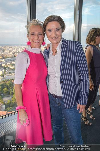 Vorstadtweiber Fototermin - ThirtyFive Vienna Twin Towers - Do 05.09.2019 - Kathrin ZECHNER, Lisa TOTZAUER25