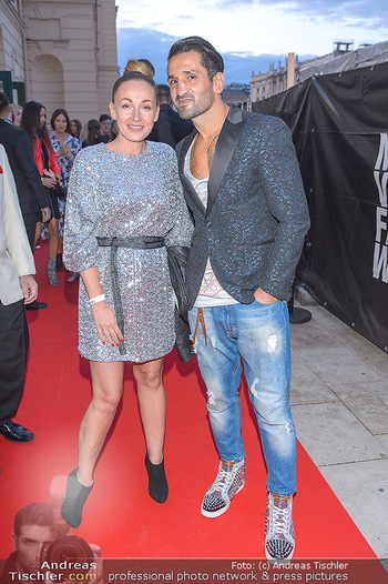 Fashion Week Opening - MQ Museumsquartier, Wien - Mo 09.09.2019 - Ines und Fadi MERZA11