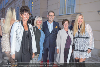Fashion Week Opening - MQ Museumsquartier, Wien - Mo 09.09.2019 - Elvyra GEYER, Zigi MÜLLER-MATYAS und Maria OBERFRANK, Christian21