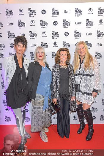 Fashion Week Opening - MQ Museumsquartier, Wien - Mo 09.09.2019 - Elvyra GEYER, Zigi MÜLLER-MATYAS und Maria OBERFRANK, Brigitte 37