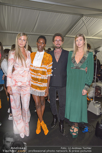 Fashion Week Opening - MQ Museumsquartier, Wien - Mo 09.09.2019 - Marcel OSTERTAG mit Models55