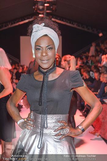 Fashion Week Opening - MQ Museumsquartier, Wien - Mo 09.09.2019 - Doretta CARTER76