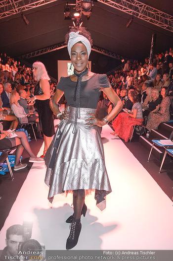 Fashion Week Opening - MQ Museumsquartier, Wien - Mo 09.09.2019 - Doretta CARTER77