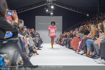 Fashion Week Opening - MQ Museumsquartier, Wien - Mo 09.09.2019 - Model am Laufsteg (Designer M Ostertag)83