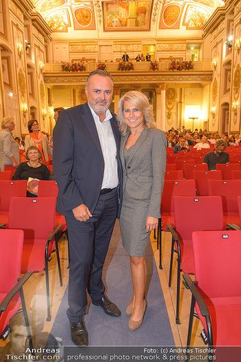 Herbstgold Festival Eröffnung - Schloss Esterhazy, Eisenstadt - Mi 11.09.2019 - Hans Peter DOSKOZIL mit Freundin Julia95