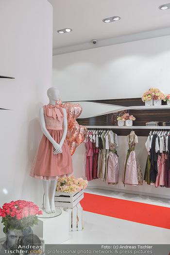 Aufdirndln für die Damenwiesn - Sportalm Store, Wien - Do 12.09.2019 - 5