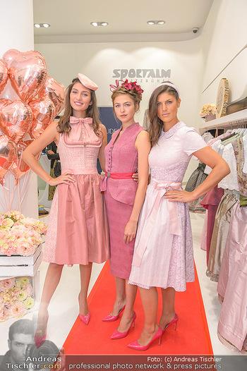 Aufdirndln für die Damenwiesn - Sportalm Store, Wien - Do 12.09.2019 - Models (Mina, Dalia, Anna HUBER)10