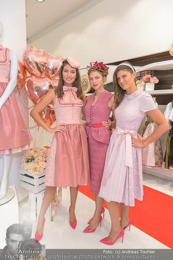 Aufdirndln für die Damenwiesn - Sportalm Store, Wien - Do 12.09.2019 - Models (Mina, Dalia, Anna HUBER)13