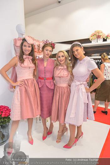 Aufdirndln für die Damenwiesn - Sportalm Store, Wien - Do 12.09.2019 - Models (Mina, Dalia, Anna HUBER)18