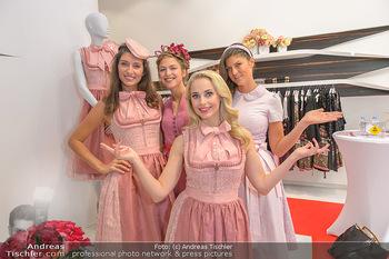 Aufdirndln für die Damenwiesn - Sportalm Store, Wien - Do 12.09.2019 - Silvia SCHNEIDER mit Models (Mina, Dalia, Anna HUBER)19