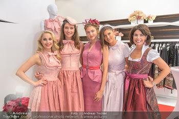 Aufdirndln für die Damenwiesn - Sportalm Store, Wien - Do 12.09.2019 - Silvia SCHNEIDER mit Models (Mina, Dalia, Anna HUBER), Sonja KAT21