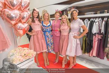 Aufdirndln für die Damenwiesn - Sportalm Store, Wien - Do 12.09.2019 - Models (Mina, Dalia, Anna HUBER), Ulli EHRLICH, Silvia SCHNEIDER25