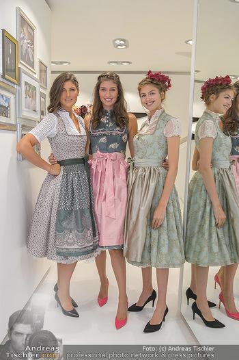 Aufdirndln für die Damenwiesn - Sportalm Store, Wien - Do 12.09.2019 - Models (Mina, Dalia, Anna HUBER)39