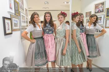 Aufdirndln für die Damenwiesn - Sportalm Store, Wien - Do 12.09.2019 - Models (Mina, Dalia, Anna HUBER)40
